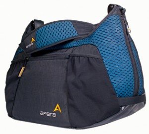 Apera Performance Duffel - The Healthy Beauty Blog